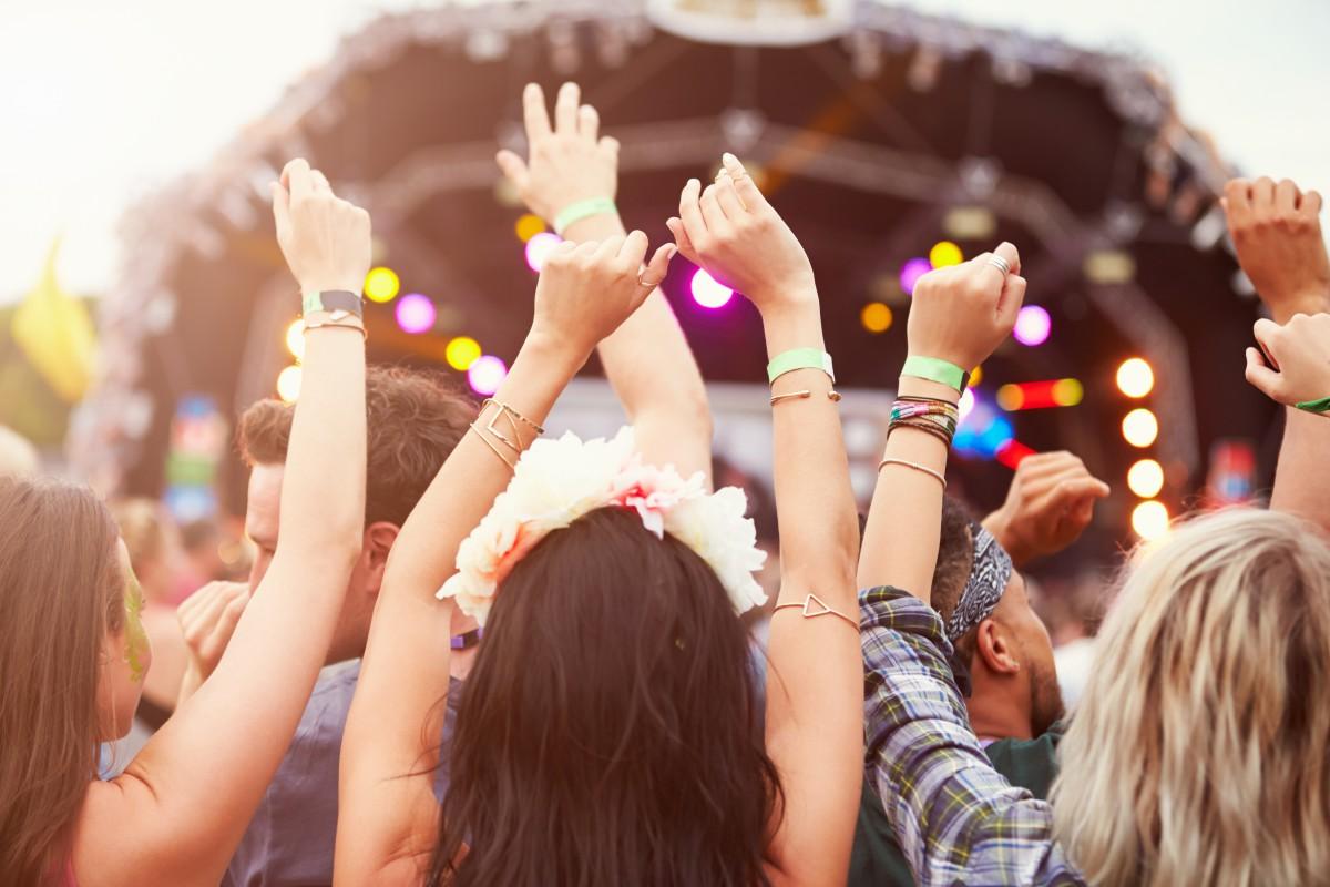DDMCA | Denis Doeland - Onderzoek: Een op drie festivalbezoekers zegt dat virus invloed heeft op keuze festival